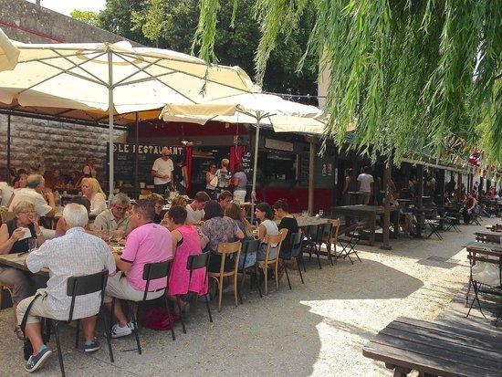 La Terrasse De La Guinguette De Tours Sur Loire Picture Of