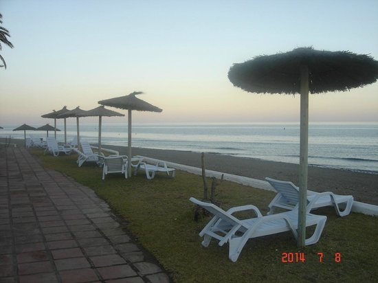 Club Marmara Marbella: Bord de plage de l'hôtel