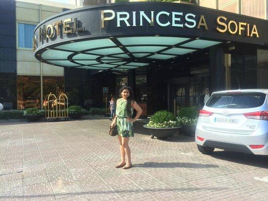 Gran Hotel Princesa Sofia: porch