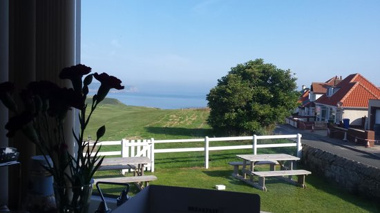 The White House: breakfast with a sea view :)