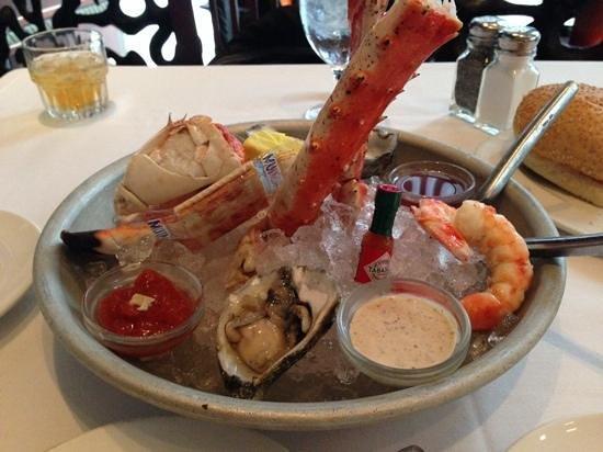 Del Frisco's Double Eagle Steak House: Seafood sampler