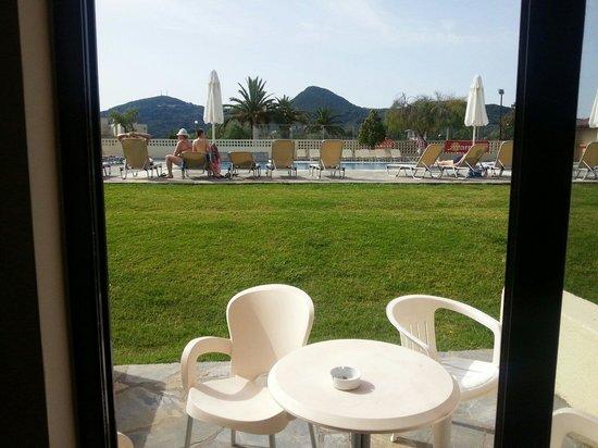 Messonghi Beach Resort: Vue de notre chambre