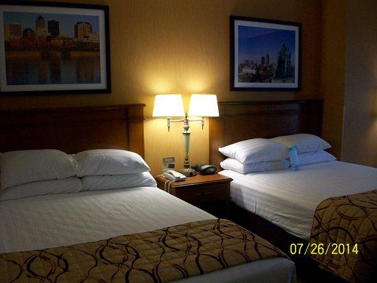 Drury Inn & Suites West Des Moines : New Look 1