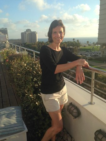 Shalom Hotel & Relax Tel Aviv - an Atlas Boutique Hotel : Rooftop haven waiting for my massage!