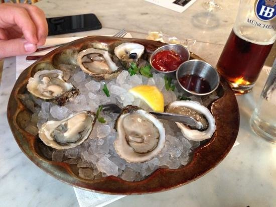 Pearl Oyster Bar: Blue points