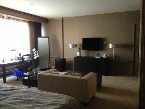 The Westin Calgary: Adjacent bedroom suite