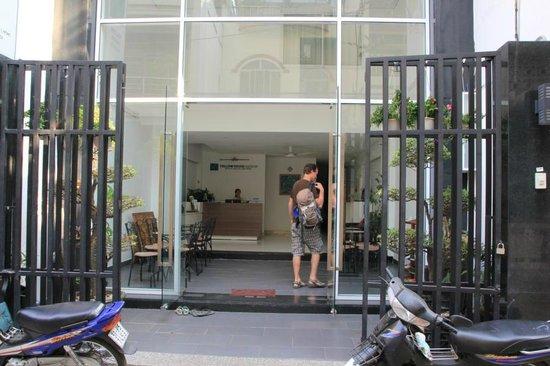 Yellow House Saigon Hotel : Hoteleingang
