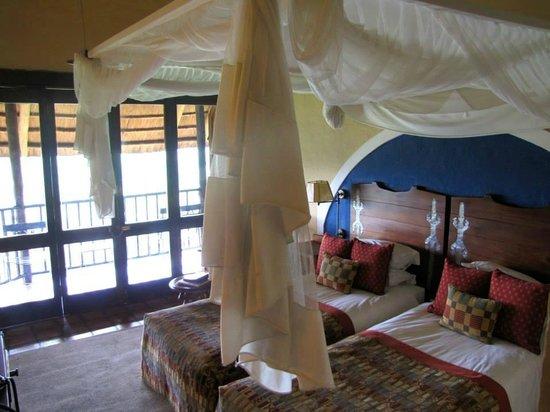 Victoria Falls Safari Lodge: bedroom