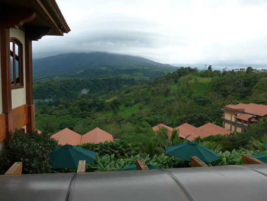 The Springs Resort and Spa: View of the lower part of Arenal Volcano from the hotel lobby
