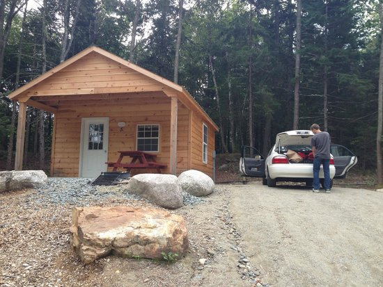 Hadley's Point Campground: Cabin exterior