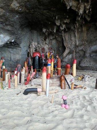 Pranang Cave: falos