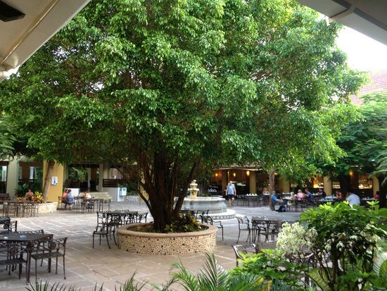 Viva Wyndham Azteca: Innenhof, Buffetrestaurant El Nopal