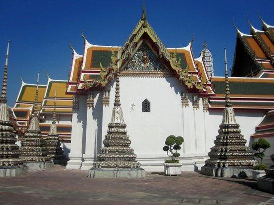 Wat Pho (Tempel des liegenden Buddha): Temple et chedis