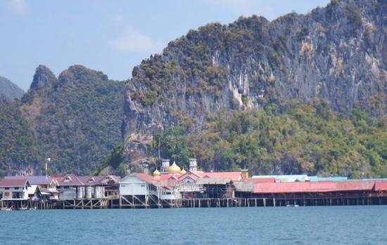 Koh Panyi (Floating Muslim Village): fishing Village  approached by speedboat