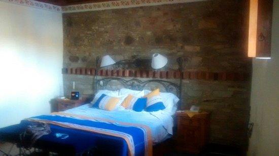 Hotel Antiguo Vapor: Habitacion azulejos ... Muy chula de bonita y así.