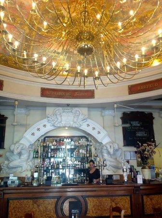 Cafe Bruxelles: The bar