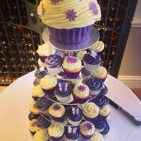 GlamoRose Cakes: Wedding Cupcake Tower