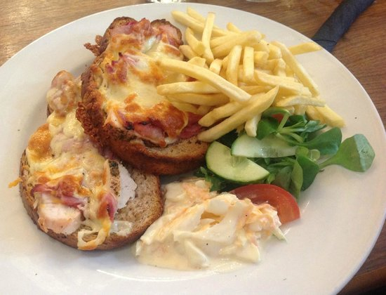 Cafe Bruxelles: Chicken, ham and cheddar melt