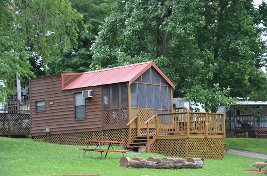 Cabin rental picture of fort wilderness rv park and Campground cabin rentals