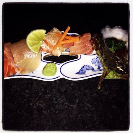 Sushi Yachiyo: Sashimi with tuna toro ...