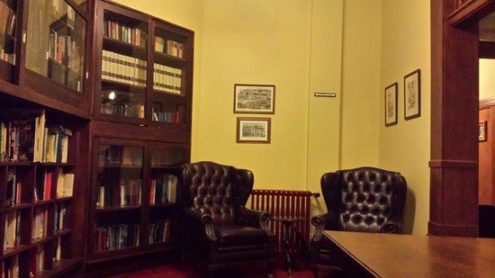 The County Hotel Napier : Library