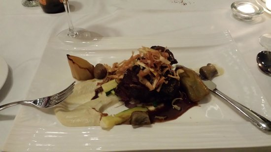 The County Hotel Napier : Beef Cheeks - excellent