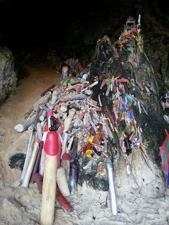 Pranang Cave: Símbolos fálicos