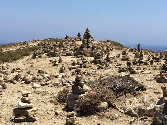 Prasonisi Beach: Cumuli di rocce sulla piccola penisola