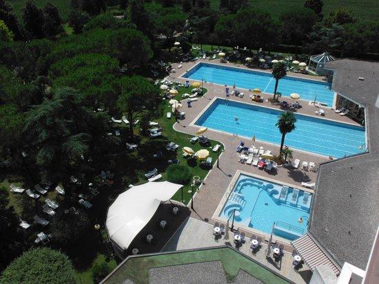 Apollo Hotel Terme : le tre piscine dal 8° piano
