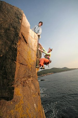 ‪Acadia Mountain Guides Climbing School‬