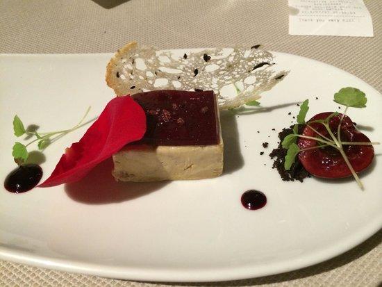 Marc Fosh : Gepresste Foie Gras mit schwarzen Oliven Kirschen und Rosen   Extra