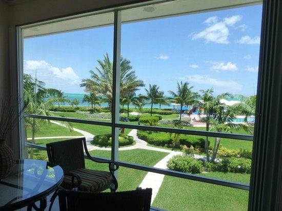 Bahama Beach Club : Screened in porch