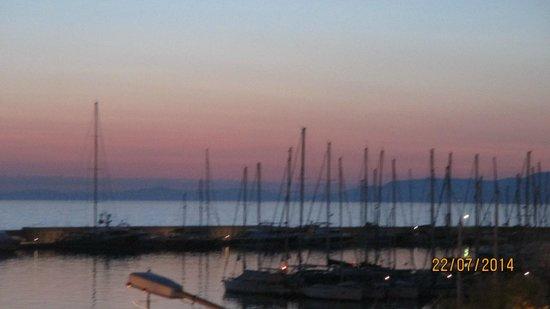 SENTIDO Marina Suites- Adult Only: coucher de la soleil que l'on peut admirer au diner en terrasse