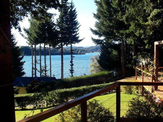 Apart Hotel Cabanas Lago Moreno: Vista de la habitación.