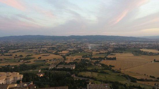 Vista da Umbria pela varanda do Ristorante Metastasio