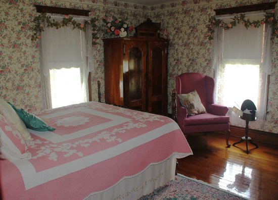 Three Sisters Inn: Della-Rose's Room