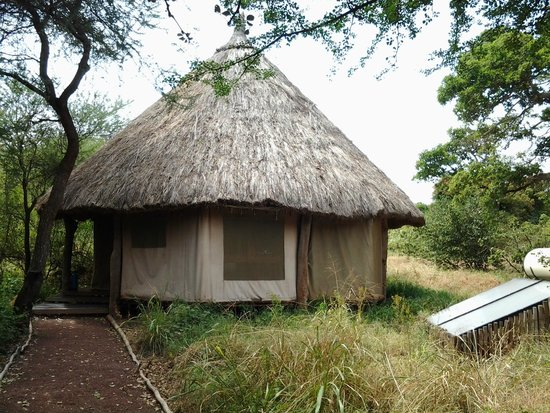 Ndarakwai Ranch Camp: Our tent with solar heated water
