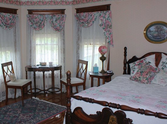 Three Sisters Inn: Edith's Room