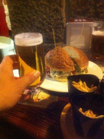 La Pintxoteca: Hamburguesa griega!!!