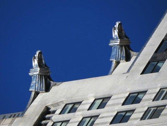 Chrysler Building : Birds of Prey waiting to swoop