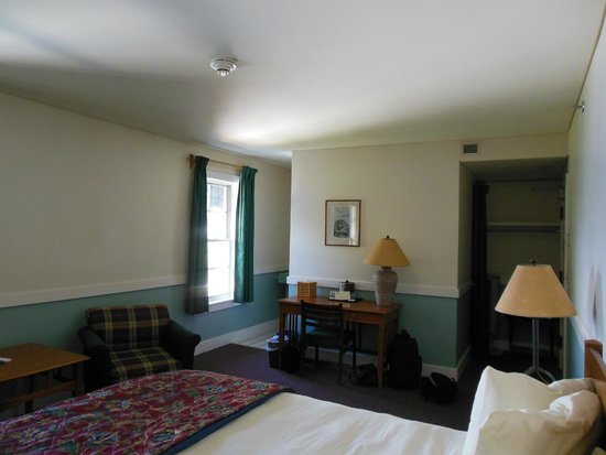 Crater Lake Lodge: Room