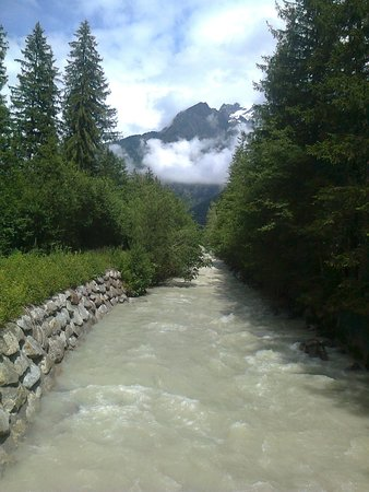 Park Hotel Suisse & Spa: Chamonix, fleuve de L' Arve