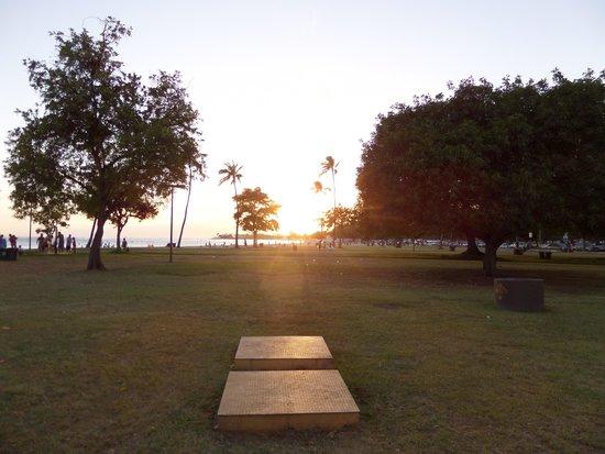 Ala Moana Beach Park: The park near the south end