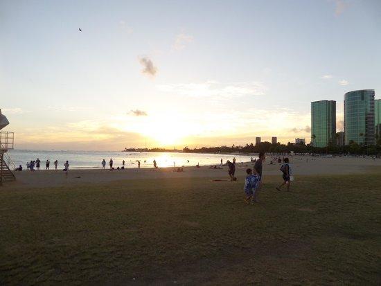 Ala Moana Beach Park: Ala Moana at the end of the day