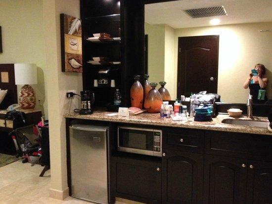 Villa del Palmar Cancun Beach Resort & Spa: Kitchenette in Studio