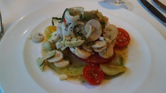 Cafe Martinique: Heirloom Tomato Salad