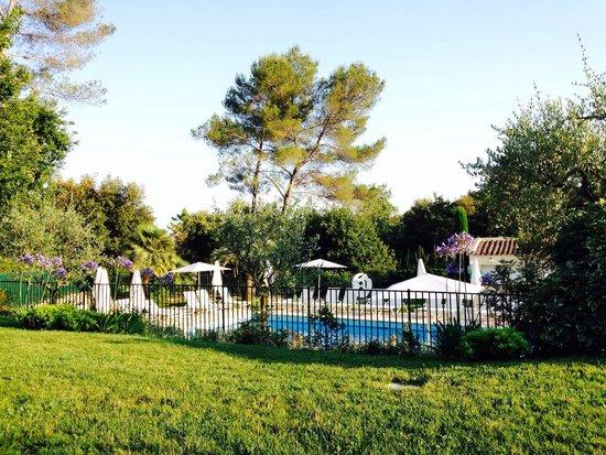 La Vague de Saint Paul : The pool