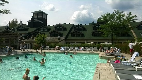 Manoir Saint-Sauveur: Gorgeous pool