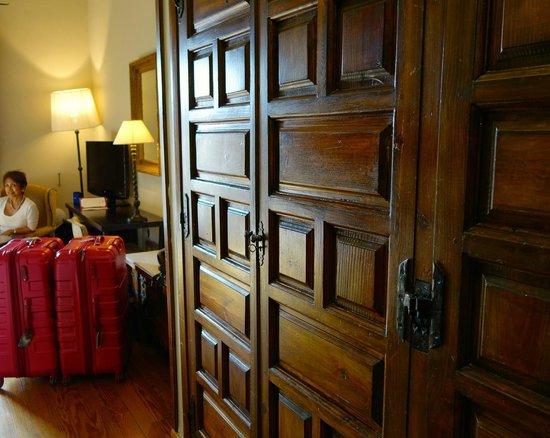 Parador de Zamora: wardrobe cabinets
