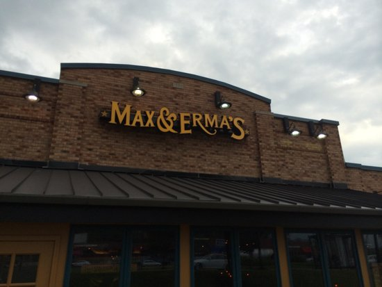 Max & Erma's: Front of the restaurant